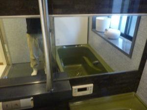 東京都大田区仲六郷 浴室鏡のウロコ落としクリーニング後